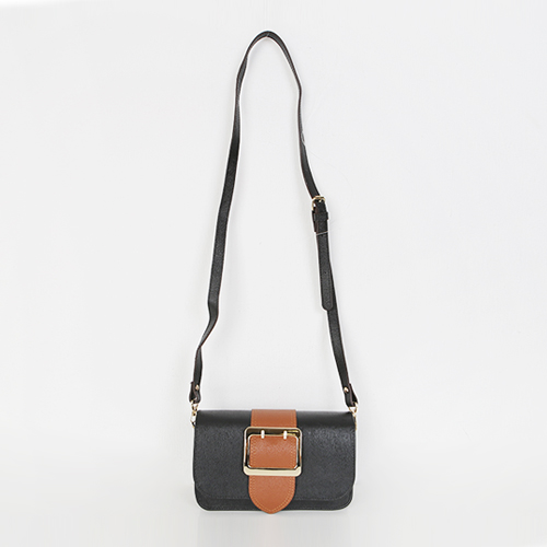 Dabagirl Buckle Accent Pebbled Clutch Bag