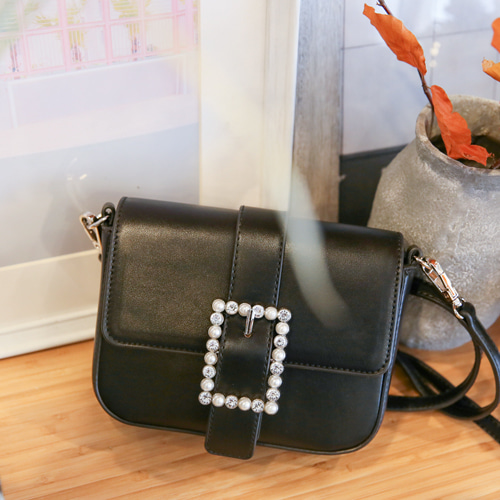Dabagirl Faux Pearl Buckled Crossbody Bag