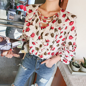 Dabagirl Criss-Cross Loose Floral Blouse