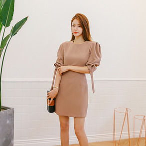 Dabagirl Puff Sleeve Single Tone Sheath Dress