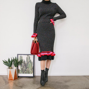 Dabagirl Frilled Knit Top and Skirt Set