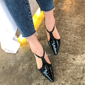 Dabagirl Pointed Toe Faux Patent Leather Shoes