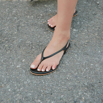 Dabagirl Faux Leather Thong Sandals