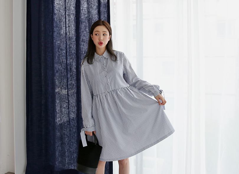 Knot-Tie Sleeve Stripe Smock Dress