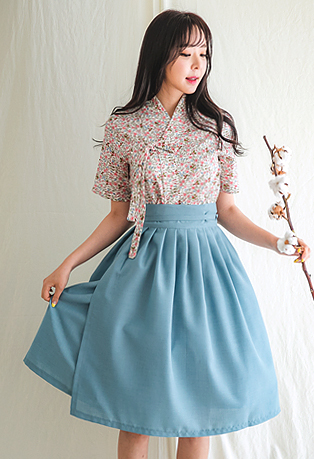 Pleated Tie-Waist Flared Skirt