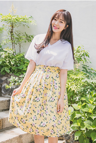 Tie-Waist Floral Pleated Skirt