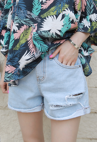 High Waist Raw Hem Distressed Shorts
