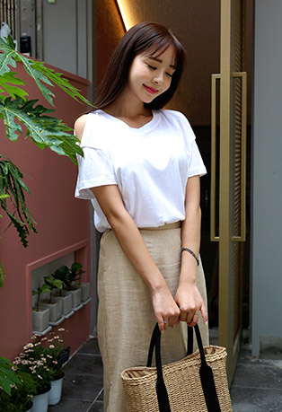 Simple Shoulder Slit T-Shirt
