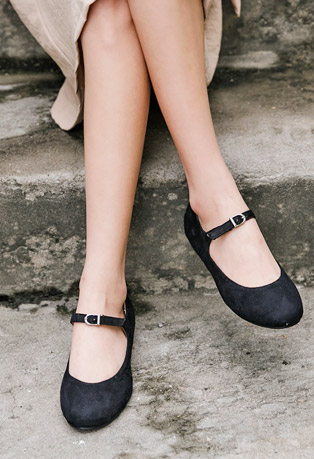 Round Toe Buckled Flats