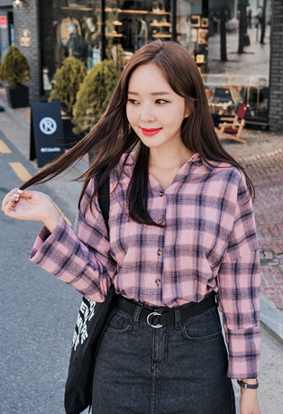 V-Neck Drop Shoulder Check Shirt