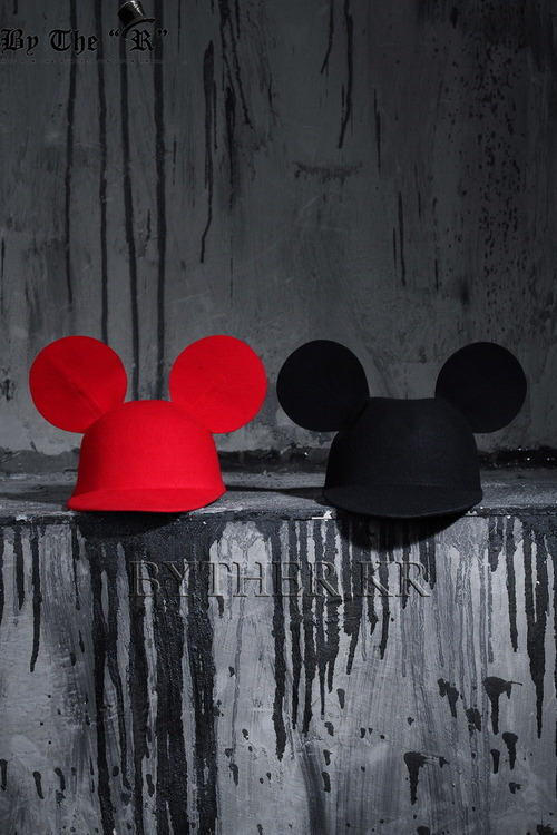 ByTheRByTheR Mickey Mouse Ear Hat