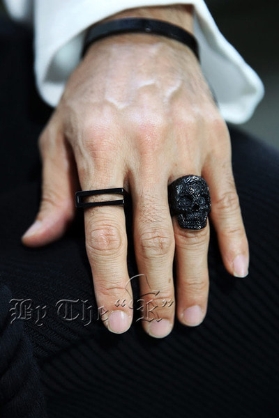 ByTheREthnic Engraved Skull Metal Ring (Black)