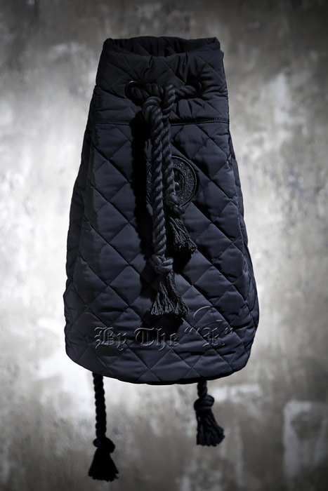 ByTheRByTheR Skull Logo Quilted Holdall