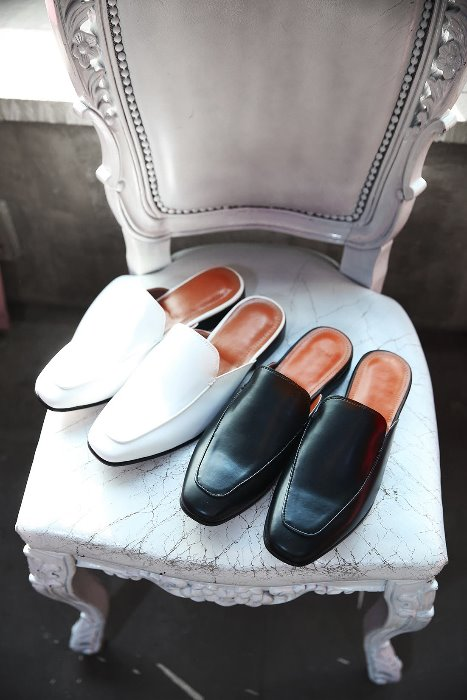 ByTheRMonotone Simple Leather Loafer Shoes