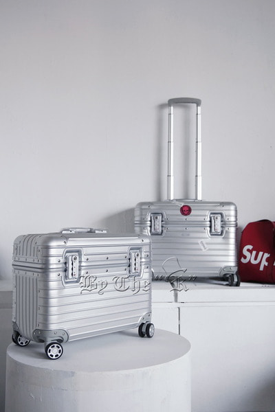 ByTheRInner Plain Aluminium Metal Luggage