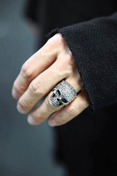 ByTheREthnic Engraved Skull Metal Ring (Silver)