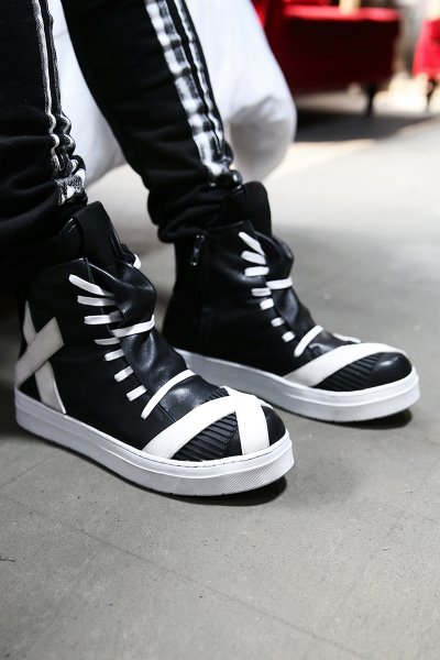 ByTheRShoelace Covering Leather High Top Sneakers