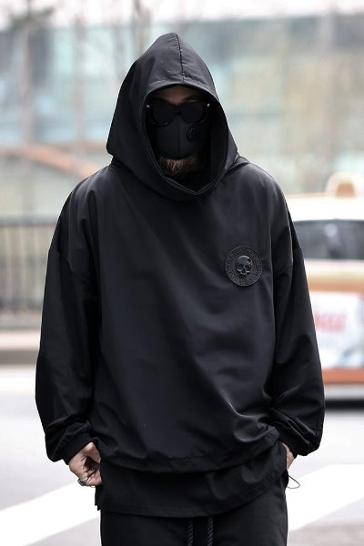 ByTheRByTheR Skull Logo Patch Windwear Hoodie T-shirt