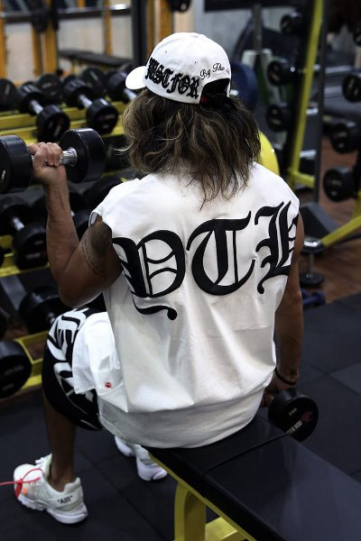 ByTheRByTheR Big Lettering Logo Printing Tank Top