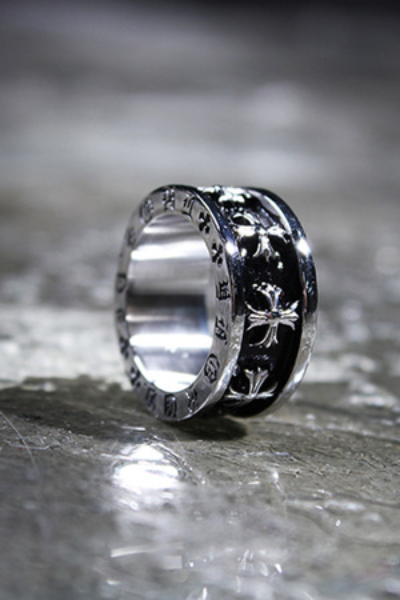 ByTheRCross Lettering Engraved Ring