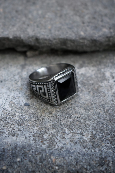 ByTheRBlack Square Stone Engraving Ring