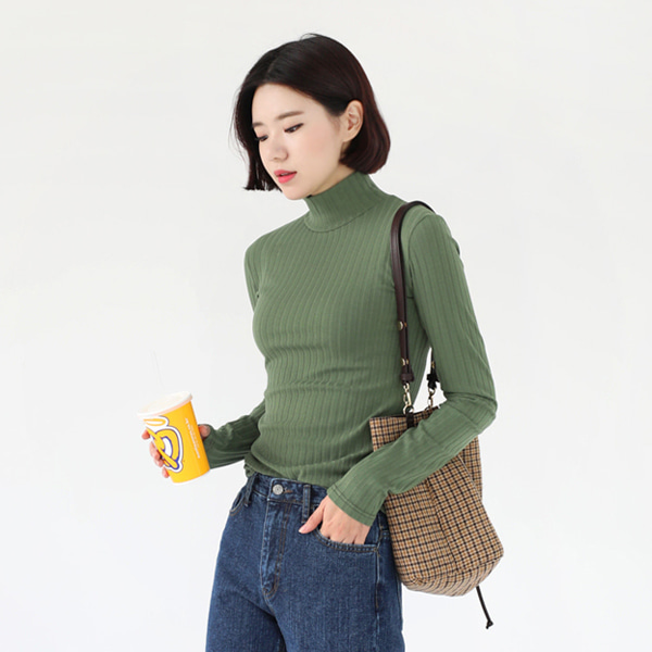66GIRLSTurtleneck Rib Knit Top
