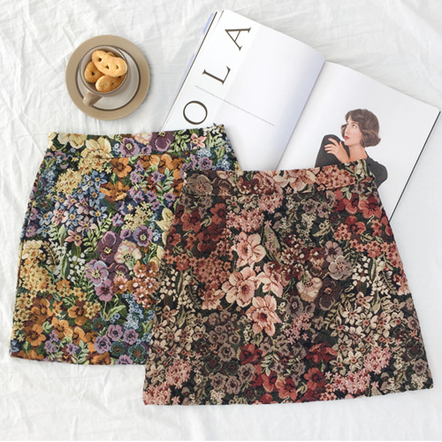 66GIRLSFloral Jacquard Skirt