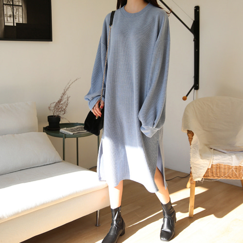 66GIRLSPuff Sleeve Side Slit Knit Dress