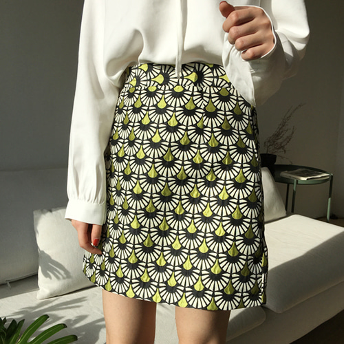 66GIRLSScale Pattern A-Line Skirt