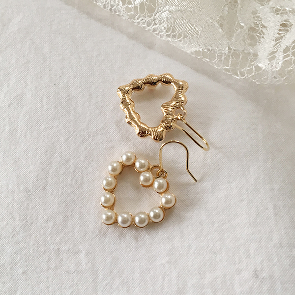 66GIRLSFaux Pearl Heart Earrings