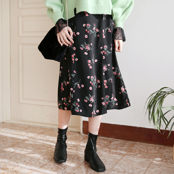 66GIRLSSeam Floral Skirt