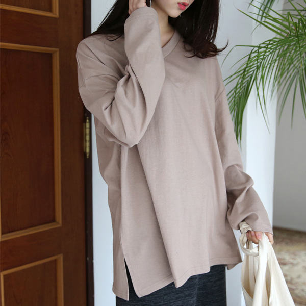 66GIRLSV-Neck Loose Fit T-Shirt