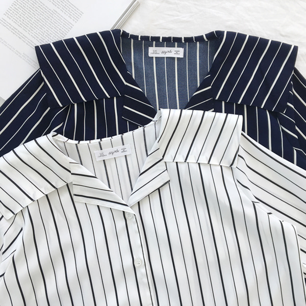 66GIRLSNotched Middy Collar Stripe Blouse