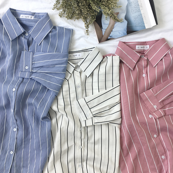 66GIRLSLoose Fit Stripe Shirt