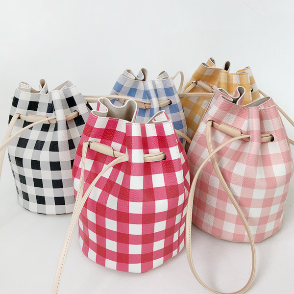 66GIRLSGingham Check Bucket Bag