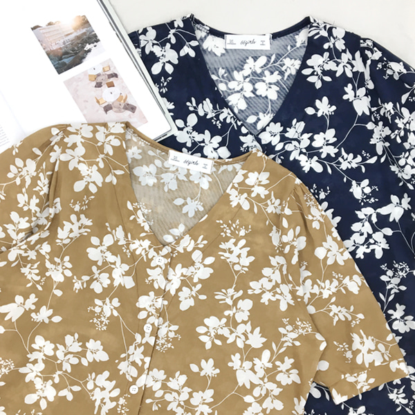 66GIRLSV-Neck Floral Print Blouse