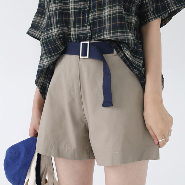 66GIRLSBelted Wide Leg Shorts