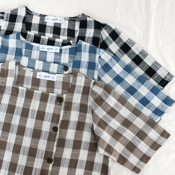 66GIRLSSide Button Check Blouse