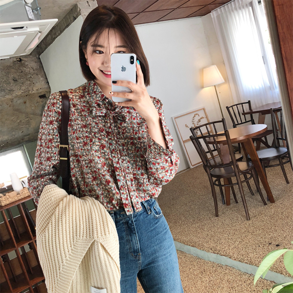 Ribbon Neck Floral Blouse