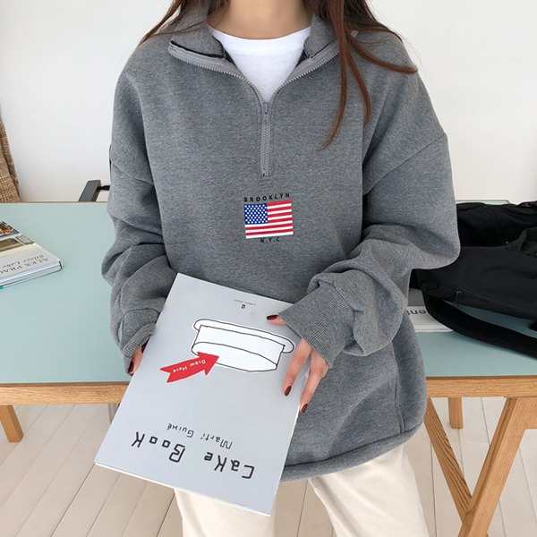 loose fit sweatshirt