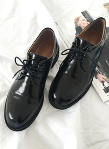 66GIRLSRound Toe Lace-Up Derby Shoes