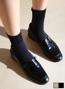 66GIRLSSquare Toe Low Heel Loafers