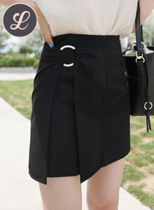 66GIRLSRing Accent Straight Cut Mini Skirt