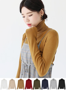 66GIRLSSolid-Tone Turtleneck Knit Top