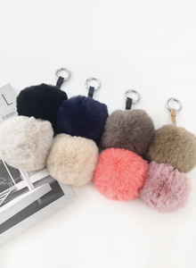 66GIRLSPompom Key Ring