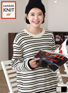 66GIRLSLoose Fit Stripe Knit Top