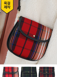 66GIRLSCheck Flap Saddle Bag