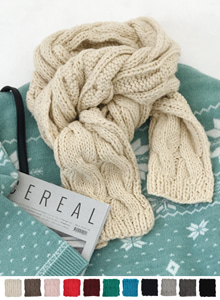 66GIRLSCable Knit Solid Tone Muffler