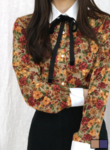 66GIRLSSelf-Tie Bow Accent Floral Print Blouse
