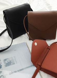 66GIRLSSolid Tone Mini Flap Bag